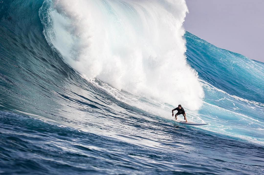 @ajw_behindthemask rushing Jaws on Maui during this last big winter swell. If you are looking for a quality surfboard, Adam is your shaper. Plus, he digs ulu LAGOON as much as you do. Photo by @lyle_krannichfeld.