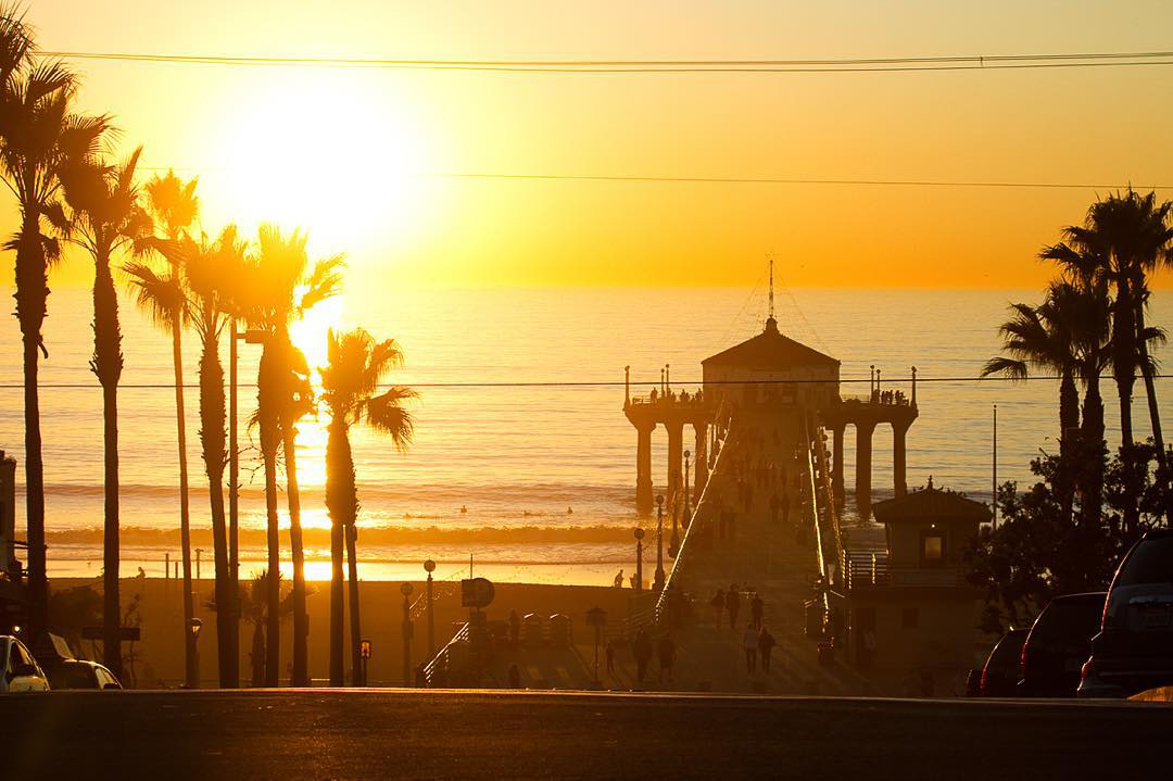 California, where ulu LAGOON candles are made, showing off some of its gold. The El Niño season has provided some well needed rain and swell alongside some picturesque sunsets like this one at Manhattan Pier.