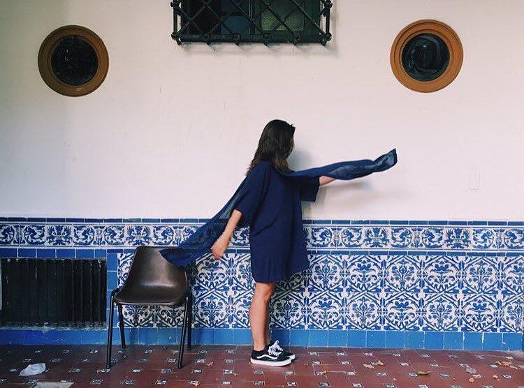 La chica en el museo ☝
