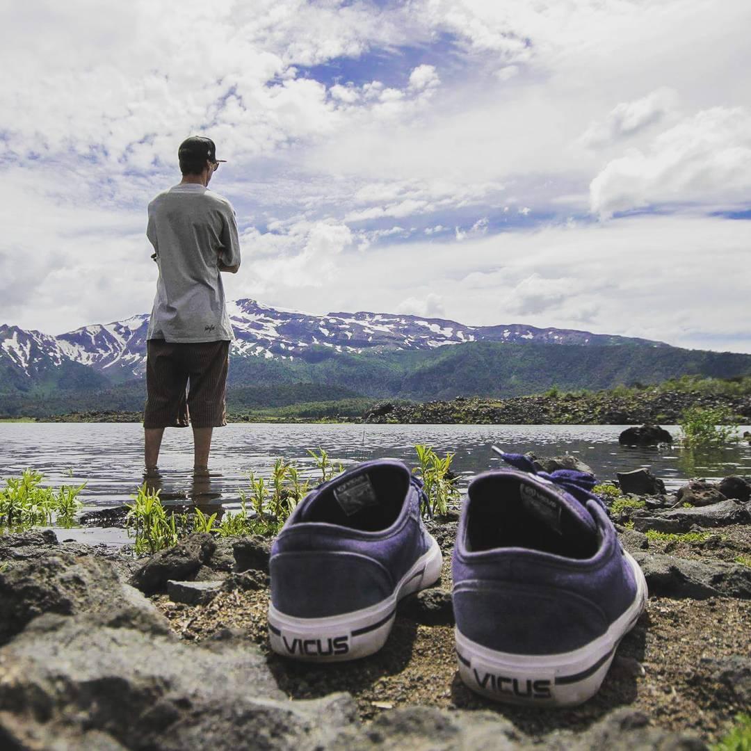 Mantener los ojos sobre el firmamento y los pies sobre la tierra @Chanchitabus #patagonia #adventure #liveoutside.
