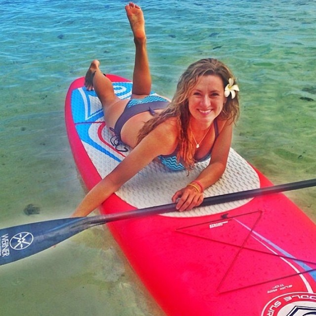 Beautiful photo @nikki_gregg! Hope you are having fun in Tahiti! #localhoneydesigns #nikkigregg #outdoortelevision #tahiti #bikini #reversible #chevron #comfortable #functional #stayson #nrgfitness #sup #paddlefitness #supsurf #supfitness #beautiful...
