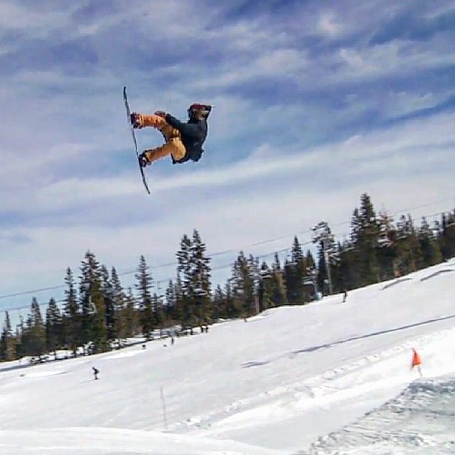 This week the #ElNiños crew hit @borealmtn for @WoodwardTahoe's new series: Dusk Til Dawn. Link in our profile! #VonZipper #SupportWildLife