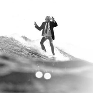 Happy President's Day! Which 2016 Presidential Candidate would you like to paddle out with? Comment your answer below!  Bernie Sanders photo by: https://www.reddit.com/user/1ts4 #presidentsday #askinstagram #happypresidentsday @berniesanders