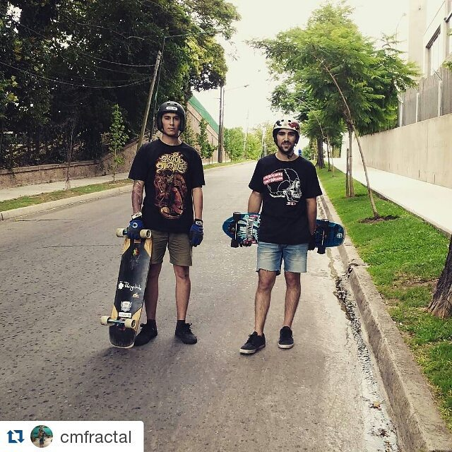 #Repost @cmfractal with @repostapp ・・・ Patín con #teamwika @juanagustintraverso #longboarding #skate #freeride #martinez #pasteur point