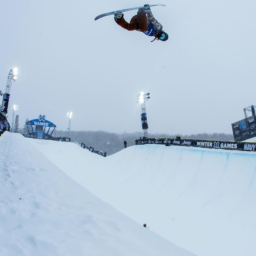 Two-time defending gold medalist @ChloeKimSnow has confirmed that she will compete in Snowboard SuperPipe at #XGamesOslo Feb. 24-28!  She is 15 years old. (