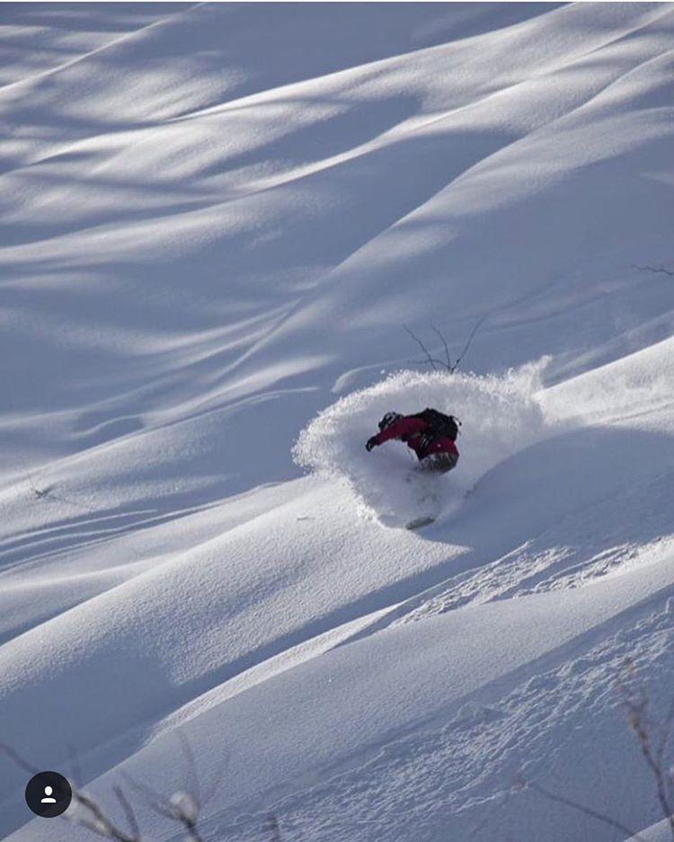 @kyehalpin enjoying the magic of #supernaturalniseko in #Japan. #A7Renegade #avalon7 #liveactivated #snowboarding #faceshields  #japow www.avalon7.co