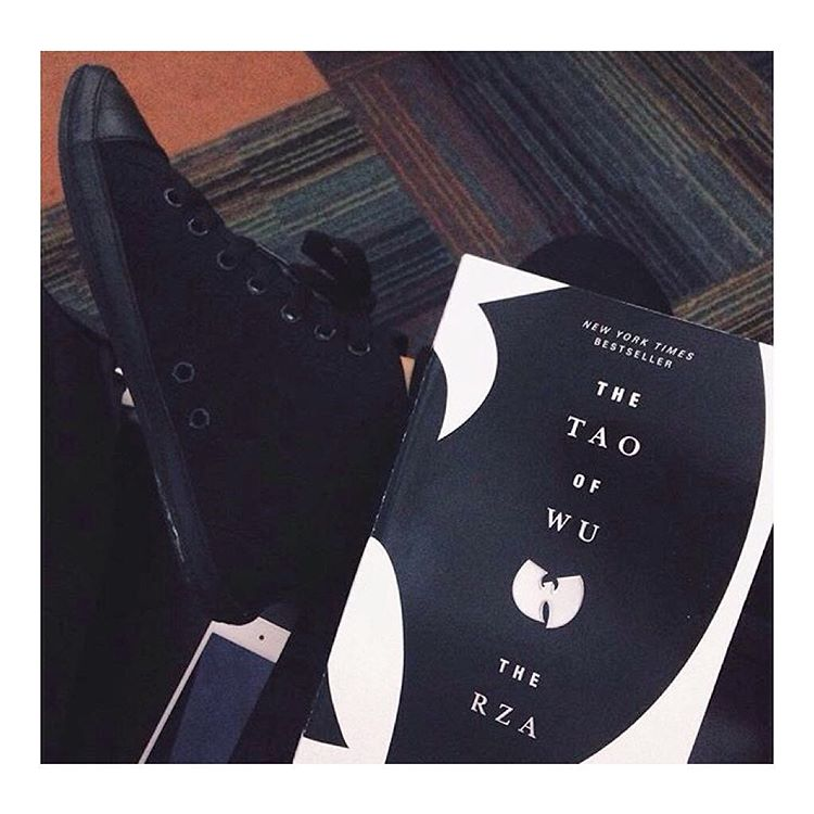 Airport reads + the #KotaHighTop via @nindynoto