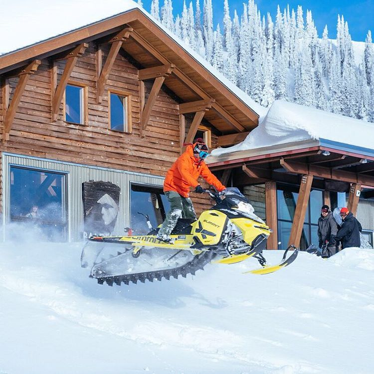 Just casually playing around with my @SkiDooOfficial sled around the front of @BaldfaceLodge after a long day of snowboarding yesterday. Photo by: @DustinLalikPhoto. #airtimeisagoodtime #SkiDoo #SummitX #neverlift
