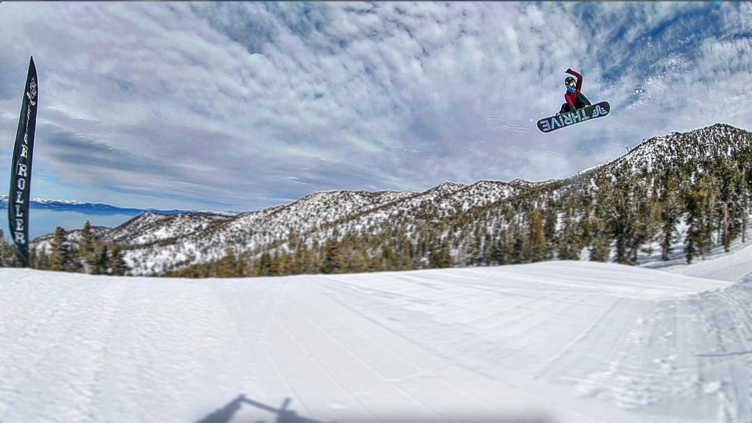 @ppppnut #snowboarding @skiheavenly #highrollerpark #photo @irelevantmedia #prestige #thrivesnowboards