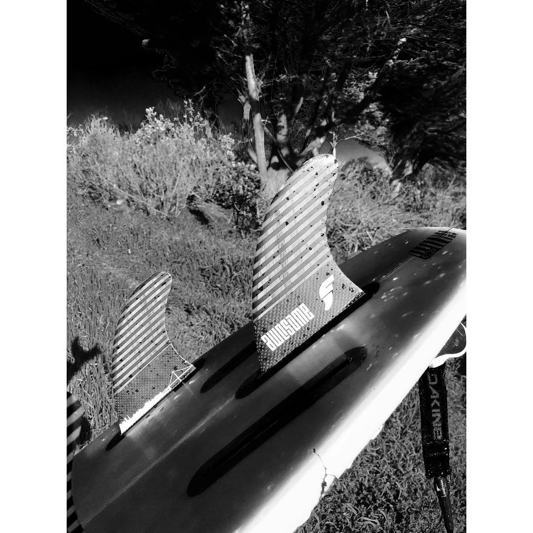 our carbon & bamboo fins / set of 5 /super versatile #awesome #awesomesurfboards #fins#futures