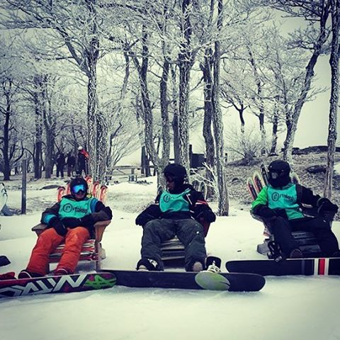 @stoked_nyc year threes chilling at @huntermountain. Thanks to @heliocentricstar for the pic!