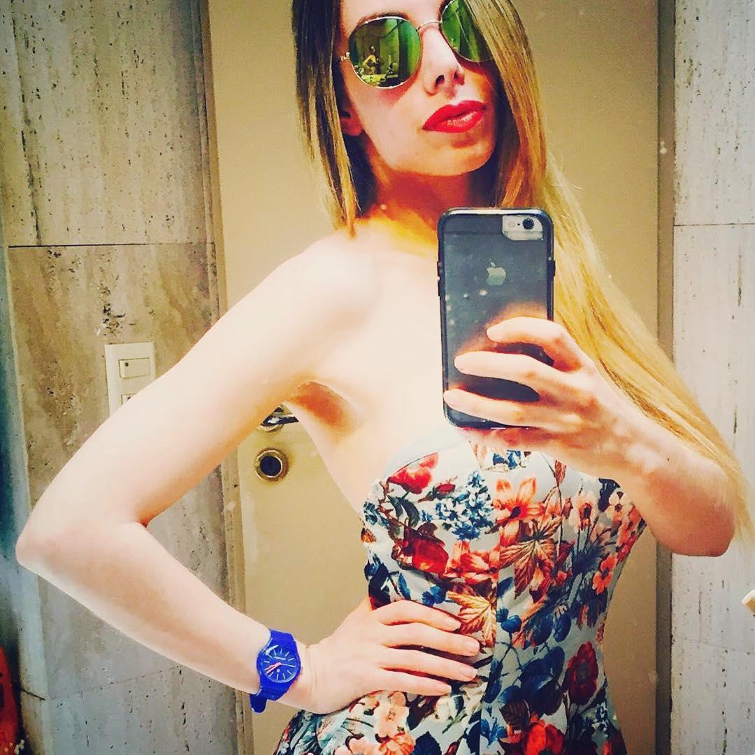 @giselabernaldeian #divina #nice #blue #fashion #itsrubbertime #Rubberchic