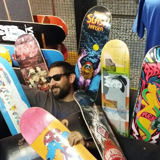 muchos #maples dificil eleccion para @electricfafers #skatemental #deathwish #realskateboards #vogskateboards #tiredskateboards