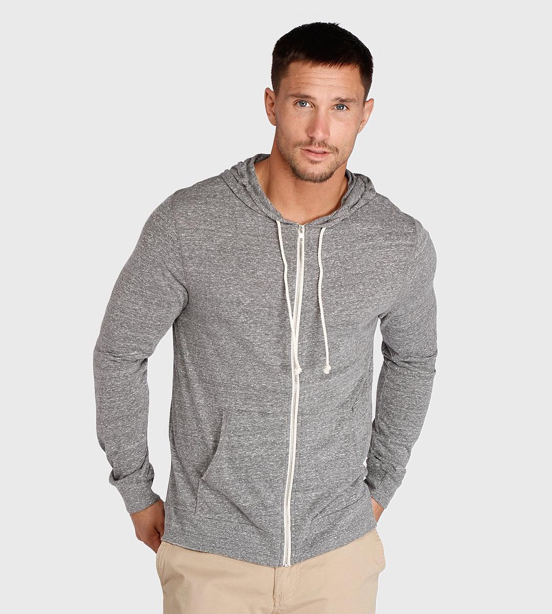 Mother nature isn't the only one confused with this in between weather. It's not tee shirt time, but most days are not freezing either. The Zip Front Tee Shirt Hoodie is your new best friend this season! (Link in bio to shop)#mensfashion #zipup #hoodie...