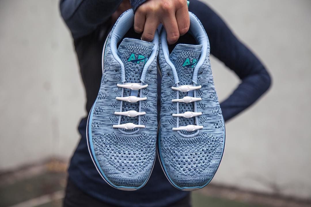 slip on those kicks, it's time to get after it #lifewithoutlaces