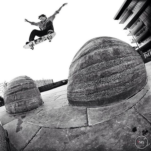 @trahanana with a smoking rock to rock ollie as seen in #NBdownunder