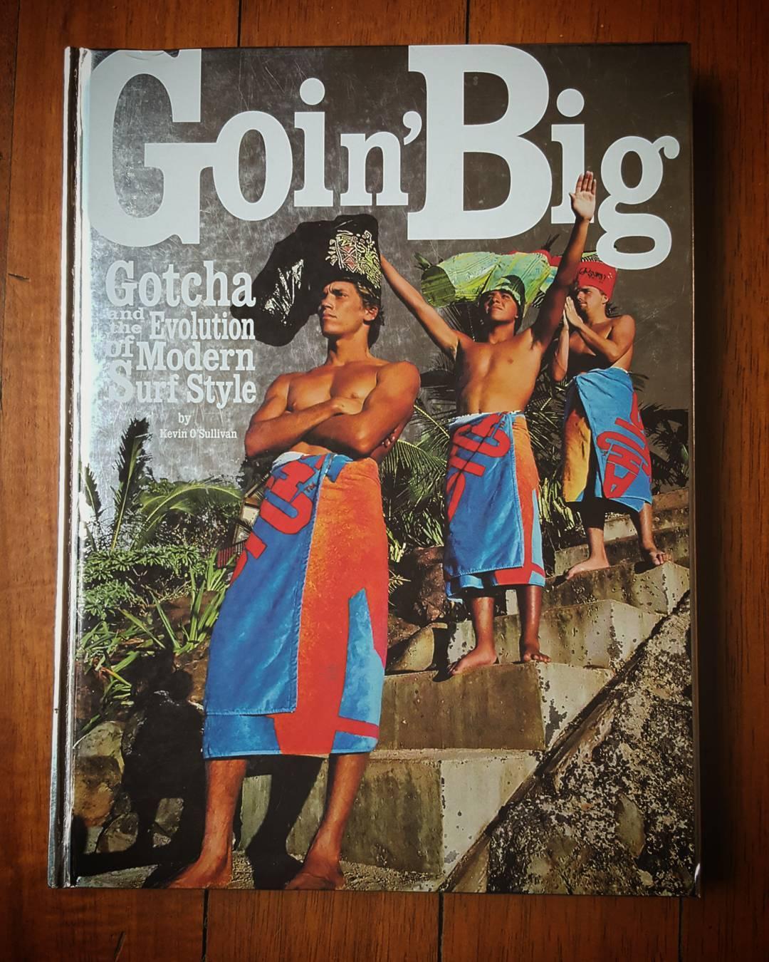 """Brock Little en la tapa de Nuestro Libro """"Goin' Big"""" junto a Venice de La Pena y Dino Andino. Brock nacido en California y criado en Hawaii sera recordado por siempre. Rest in Peace Team Mate. #ripbrocklittle"""