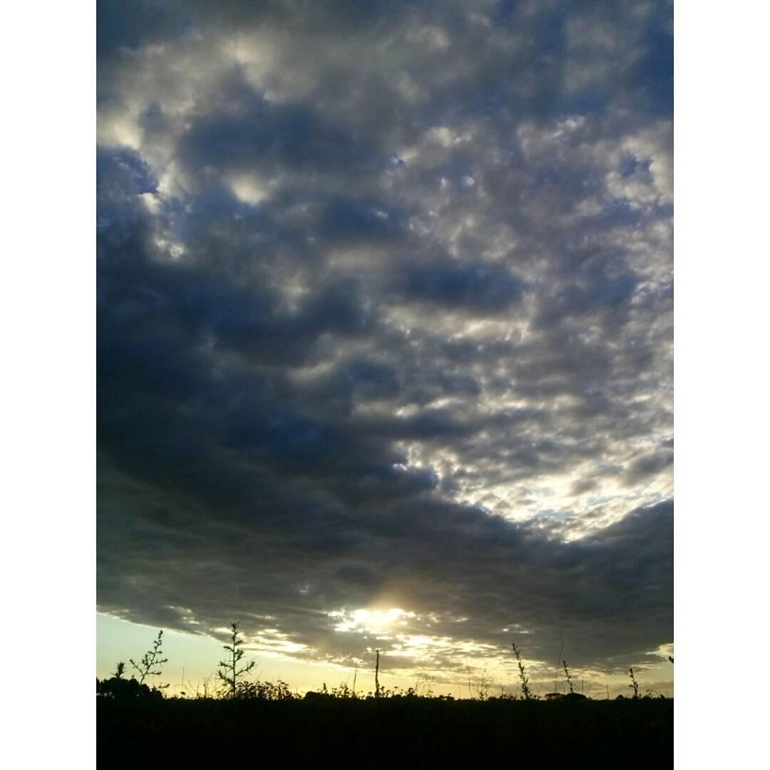 Anonadada. #atardecer #tramonto #sunset #cielo #sky #nuevaatlantis