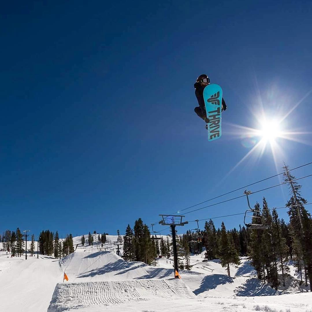 #sendingit @borealmtn #snowboarding @moofosta #photo @kieth78 #thrivesnowboards