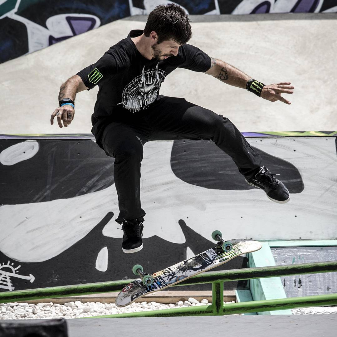 Three-time gold medalist @ChrisCobraCole will join the #XGamesOslo broadcast team to serve as our Skateboard Street analyst! (