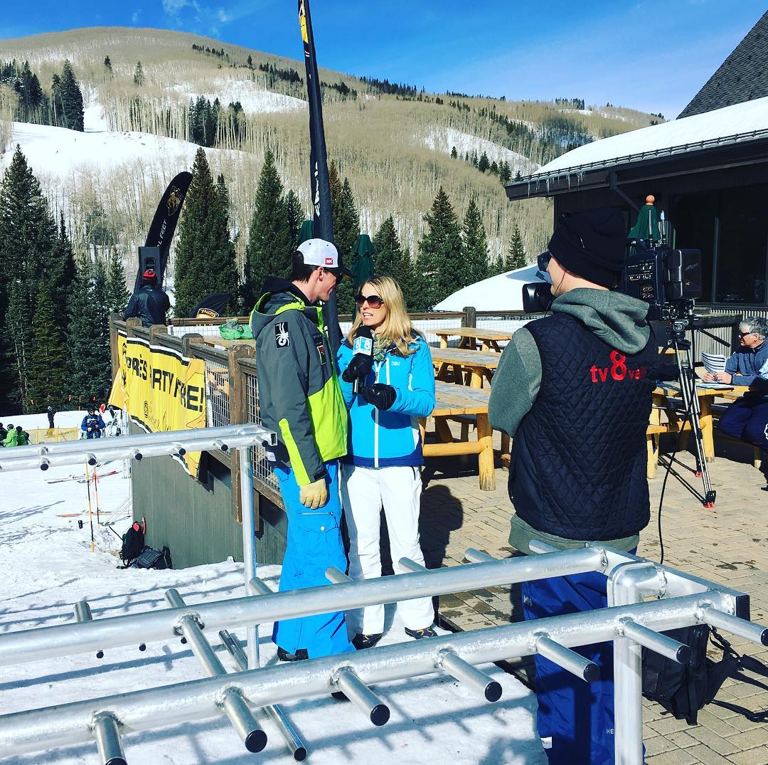 @tv8vail, @wwpeterdo & @sosoutreach  are spreading the #love at #TalonsChallenge! Keep racking up that vert! #goteampj