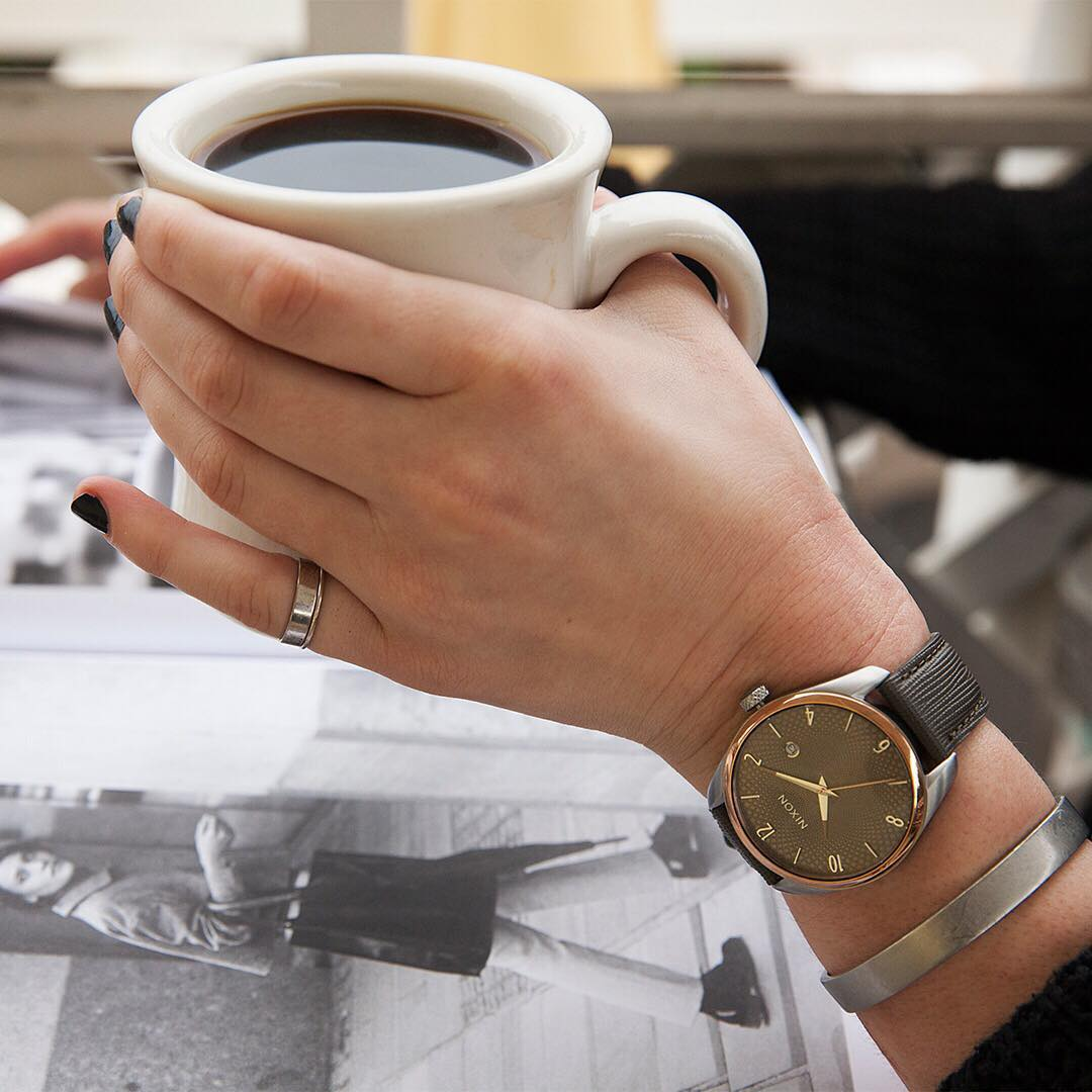 With just a touch of color the #BulletLeather is the perfect balance of bold and beautiful. #Nixon #WasteNoTime