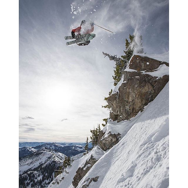 Mythical Mckay Richards spreads some mid air charm at Snowbird a few weeks ago... Epic capture by none other than Scott Markewitz!  #TribeUP young charmer!  Repost: @mythicalmckay  Photo: @scottmarkewitz  #PandaPoles #PandaTribe