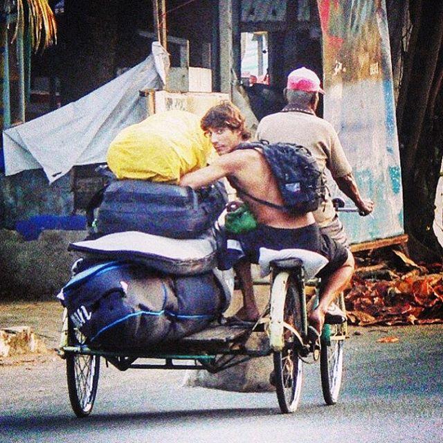 En algún lugar de #Indonesia @fran_ferreras busca Olas #WelcometoWater