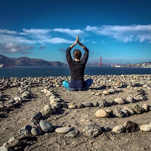 FIND YOUR HAPPY PLACE #yoga #perspective #meditation #breath #nature #sfo #okiino #goldengatebridge #yogini #yogi #bliss #create #patriciapenaphotography #westcoast #travel #yes #inspire #rooted #liveloud #change #faith #trust #love #repost...