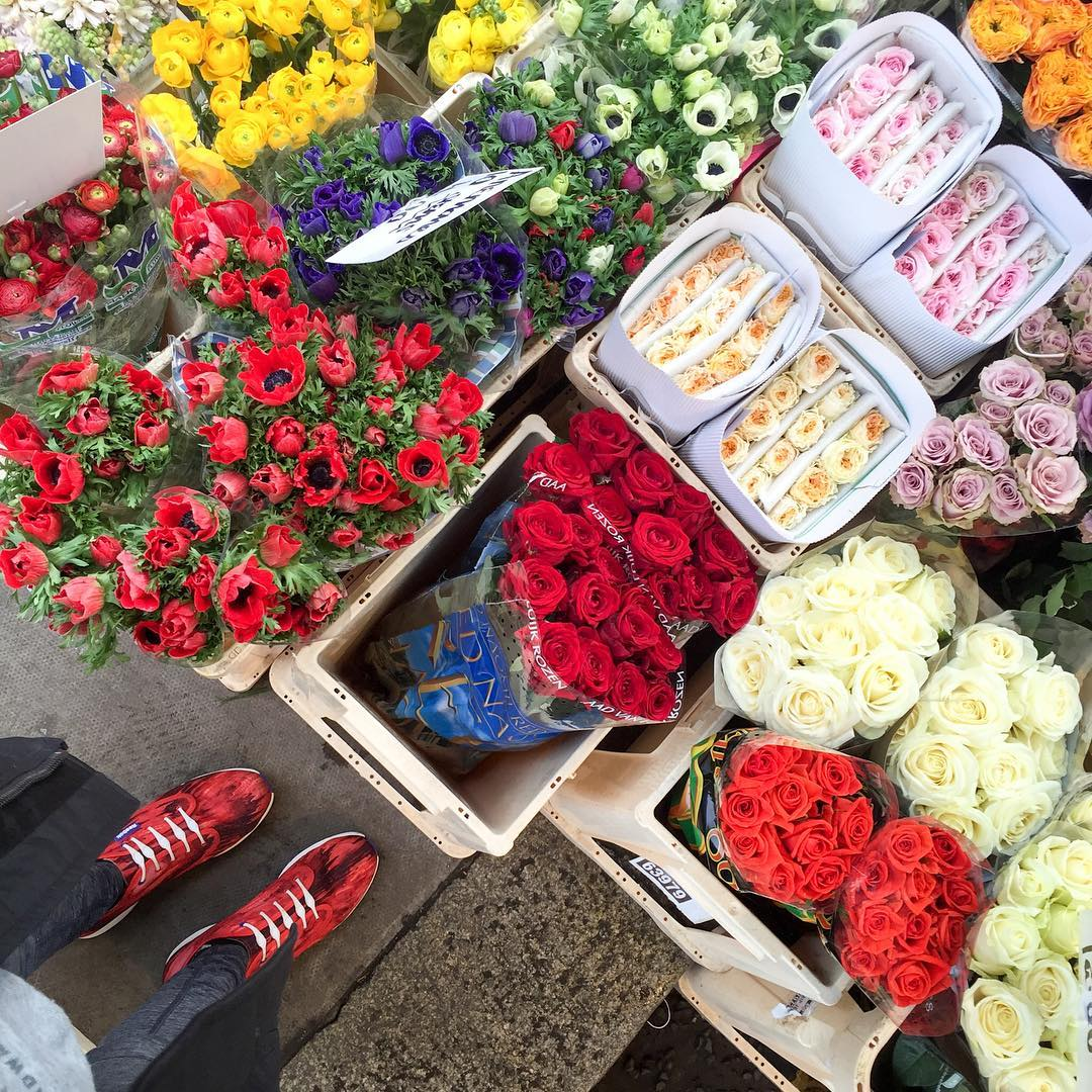 wake up and smell the roses! we're spending the morning in London with our ambassador @fitforbroadway