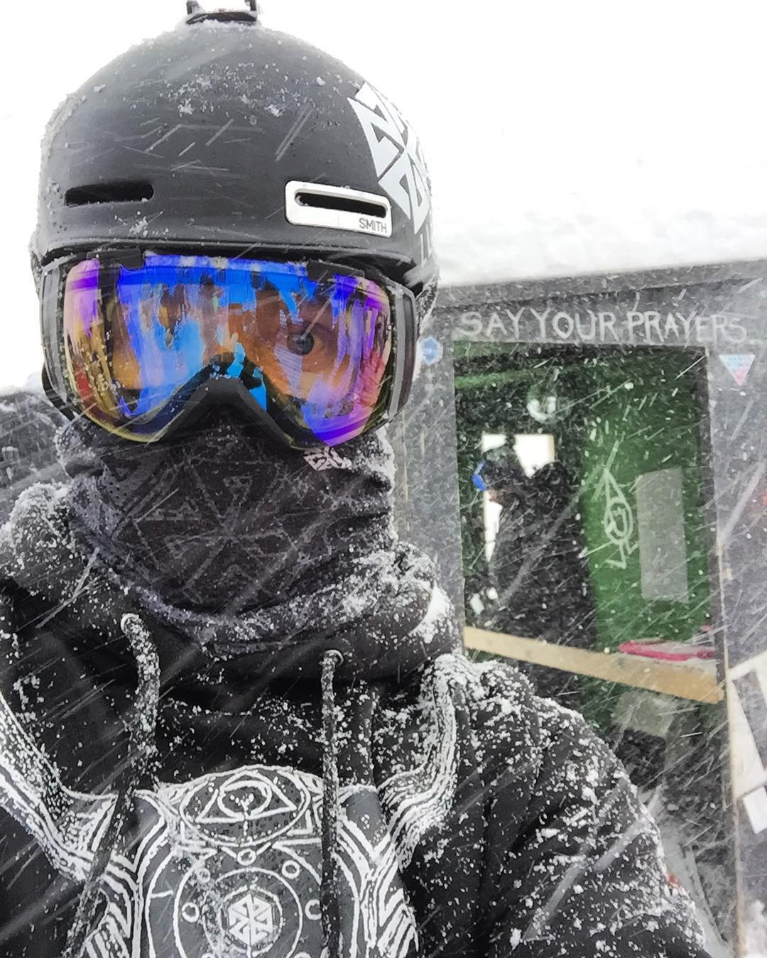 #A7CO founder @robkingwill just won the #legendarymtbakerbankedslalom rocking his Mesh Faceshield start to finish in the course to protect his face from the full blizzard conditions. Full breathability and no goggle fog! #provenperformance #avalon7...