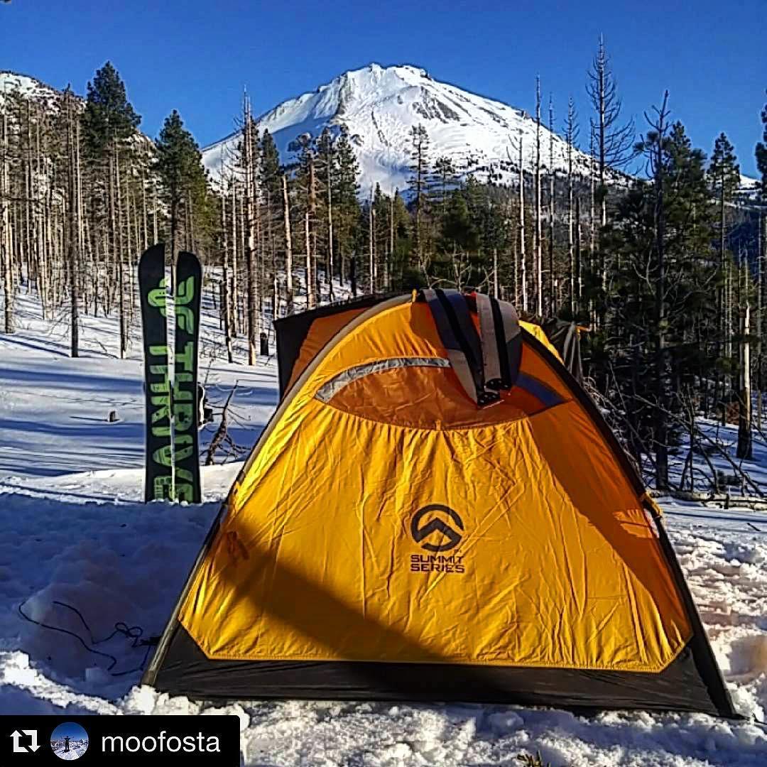 #splitboarding #snowboarding @moofosta #athome on #mtlassen #thrivesnowboards #repost #wintercamping