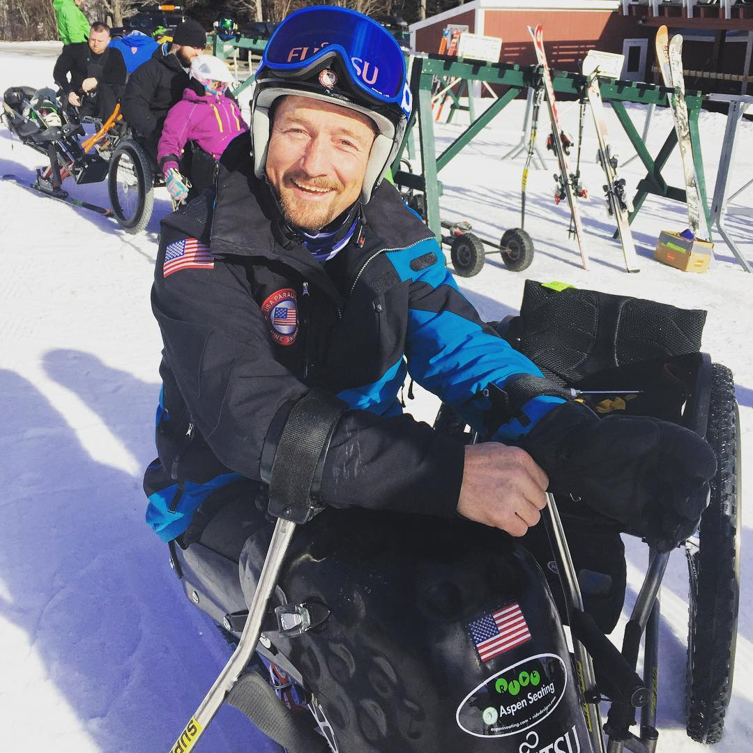 High Fives x US Paralympic #monoski race camp has begun! The camp is being taught by #chrisdevlinyoung @sugarbush_vt with assistant coaching from @vermontadaptive!