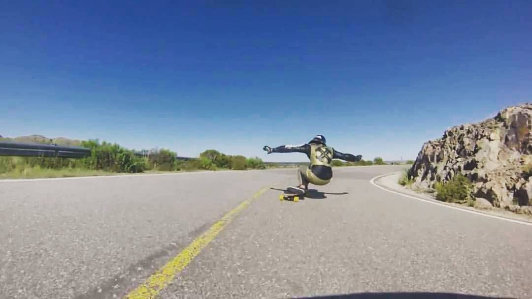 "Como dijo Santi Obermeller: ""¡La manija no descansa!"" #TeamWika #Downhill #Longboarding #argentina"