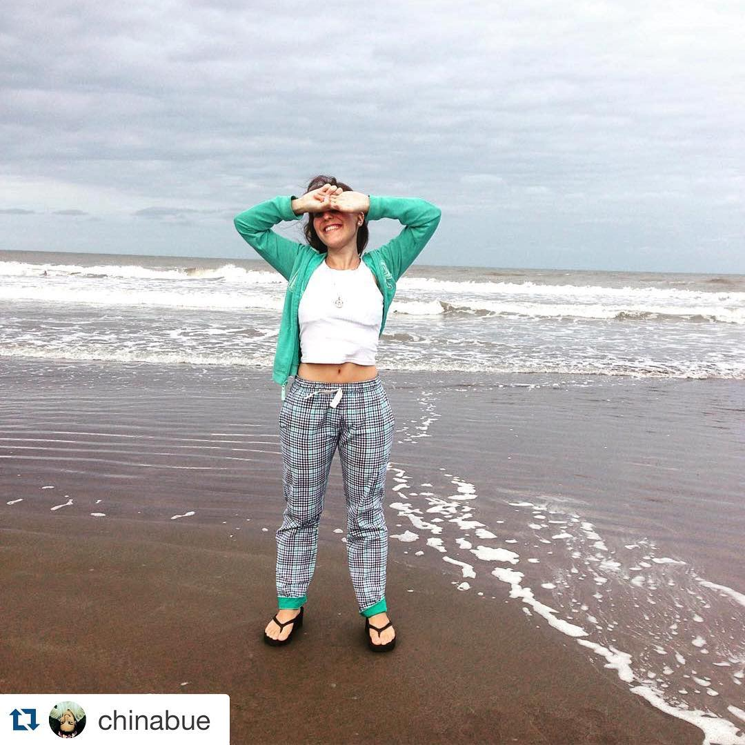 #DomingosConOnda #DomingosDePlaya buena placa de @chinabue ・・・ Plasha plasha con domingos Sz #Sz