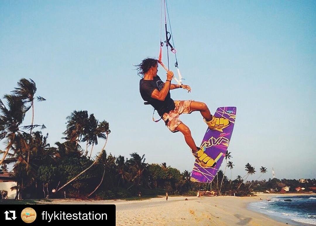 @flykitestation in Sri Lanka! #flykitestation #kitesurf #hoku #CondorC2016 #rider #variteam #varikites #varikitesrussia