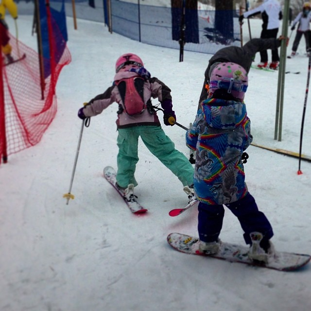 Yesterday was all-time, friends helping friends during the @arcadebelts #skinnyski event at @squawvalley