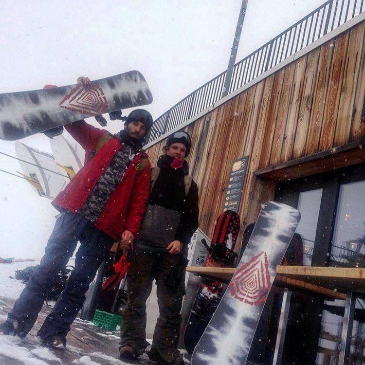 Este equipo se las trae @fedechiaradio y @keepjero en busca de la nieve y los paisajes más solemnes #ttt  #stonearmy #truetothis