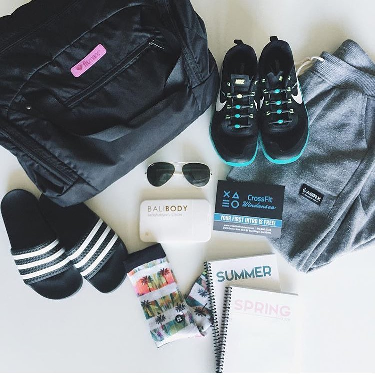 taking a peek into the gym bag of killer crossfit babe, @hayscorn (tap for details). what's in your bag? #lifewithoutlaces #lifeasrx