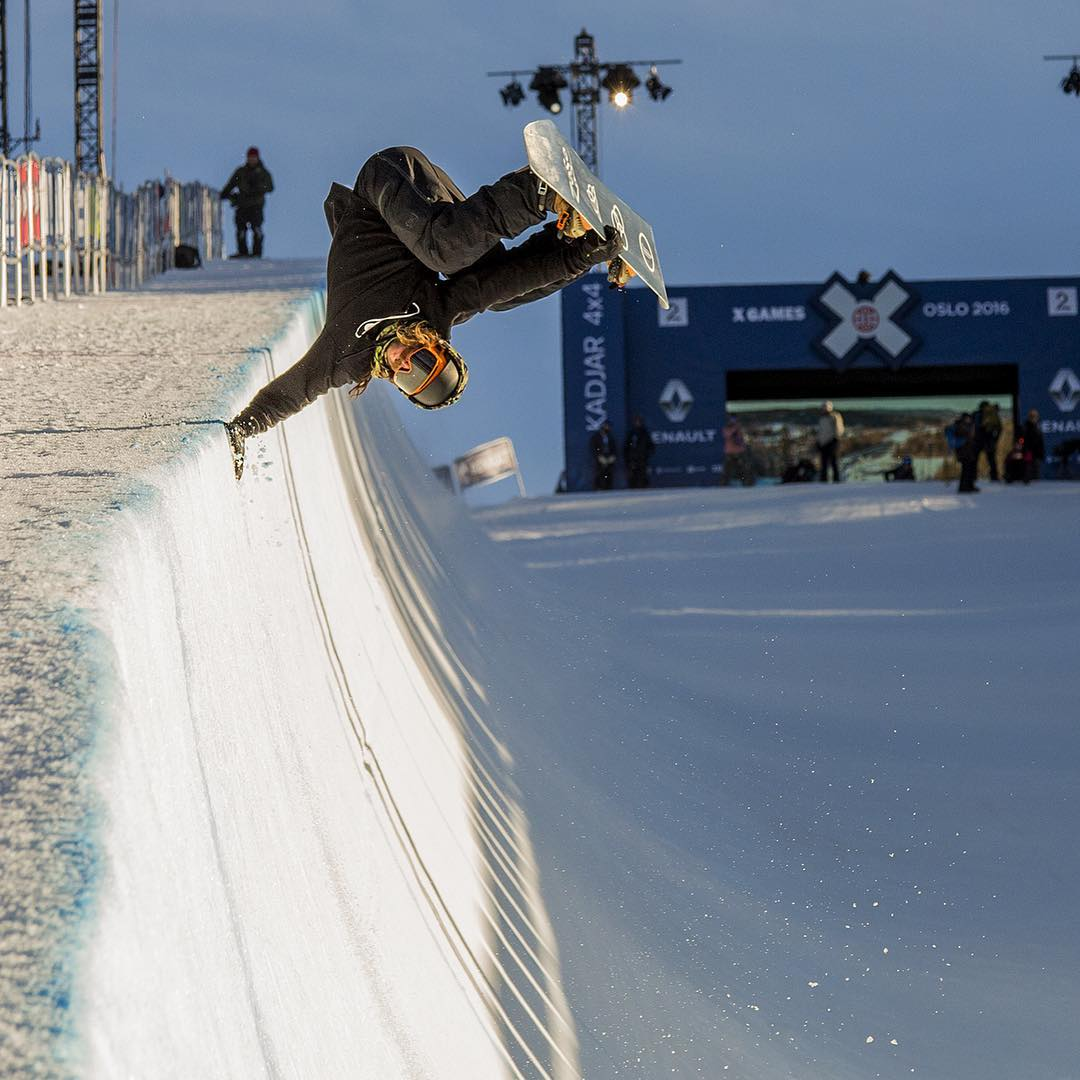 @travelindan with the hand plant getting ready for Oslo @xgames happening this week!