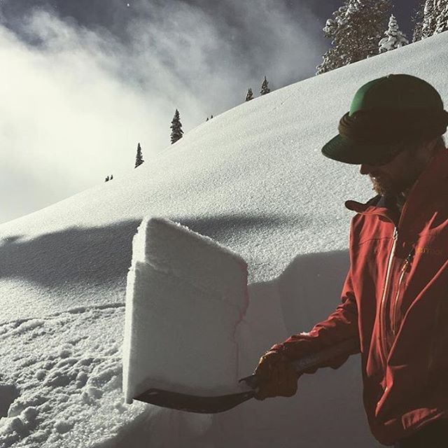@gitter_dunne staying knowledgeable about the Jackson snowpack. #embracethestorm | #flylowgear