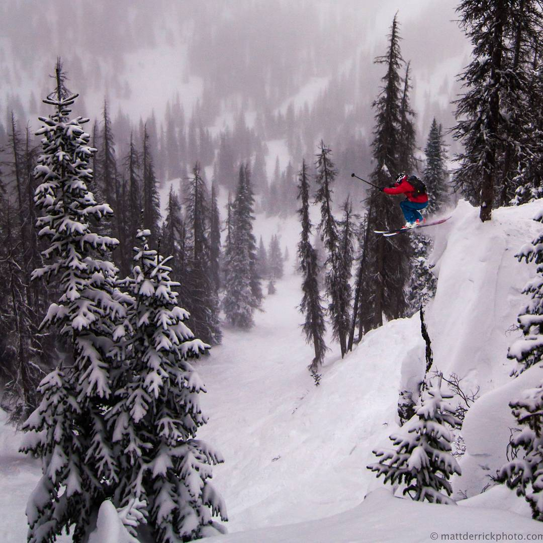 Big sender in the waterfall area on the primary a few weeks ago @barmski @mattderrickphoto cred #gobigorgohome #wolfcreekskiarea #primaryshape #customskis #sendit #powderday #exploremore #colorado #handmade #skis #usa #denver
