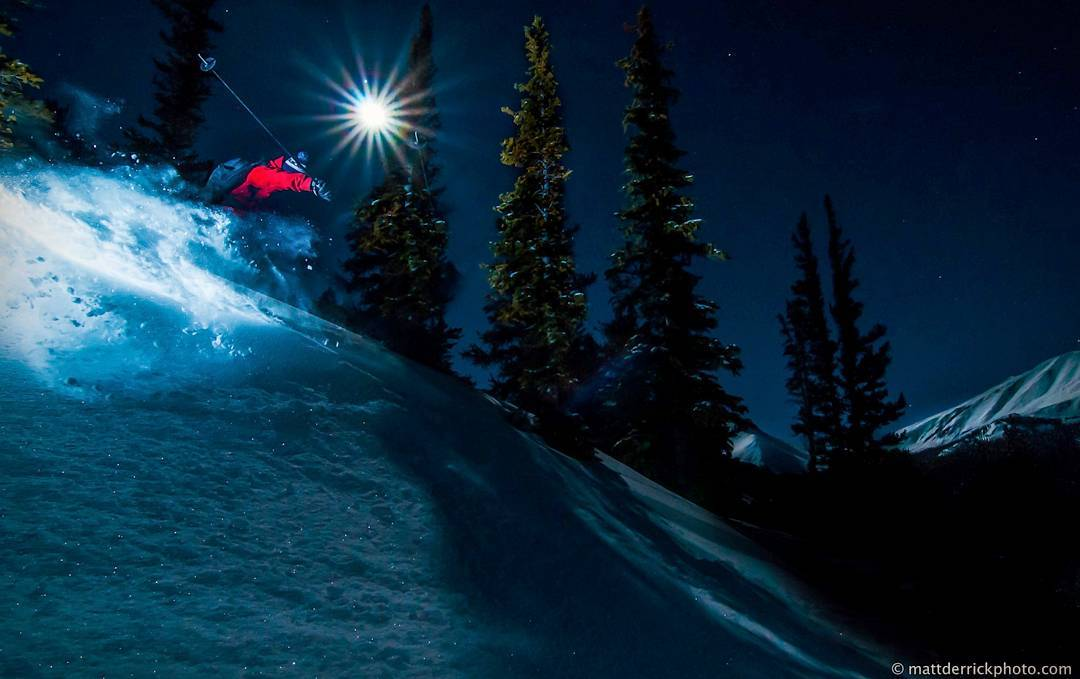 @barmski Slashin' under that beautiful Colorado moonlight, who else got out there? @mattderrickphoto on the shot #triggershape #skiuphill #customskis #fullmoon #moonlight #handmade #usa #denver #colorado #frontrange #exploremore #winterisstillhere