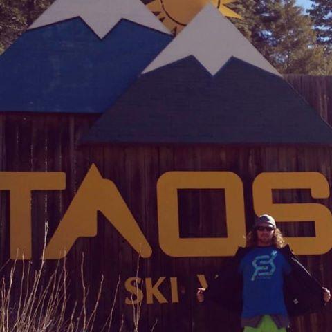 #wishyouwerehere #taos #skiing #snowboarding #justsendit #WhoaBrah #newmexico #roadtrip @zayjmad191 @rdy2rly @skitaos #powder