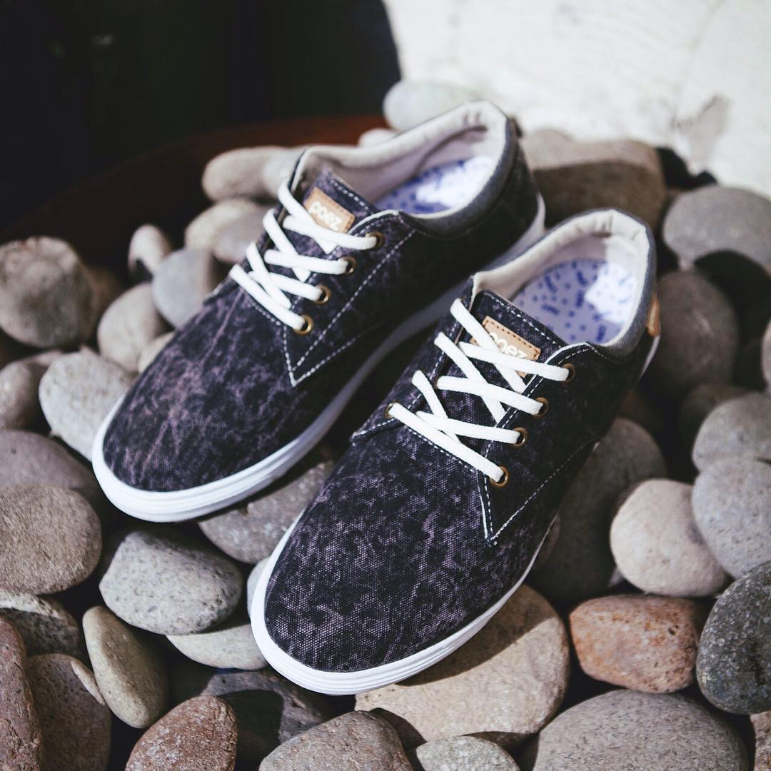 On the Rocks!  Sneaker Low Black Rock Orishinal From Argentina