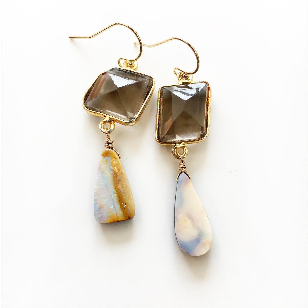 Studio/work  New one of a kind earrings. email:info@juliaszendrei.com for information to own  #oneofakind #ofakind #limeted #edition #opals #smokeyquartz #opalesrrings #juliaszendrei #ss #ss16 #teamcanon #capecod #capecod #coastalstyle #marinstyle #art...