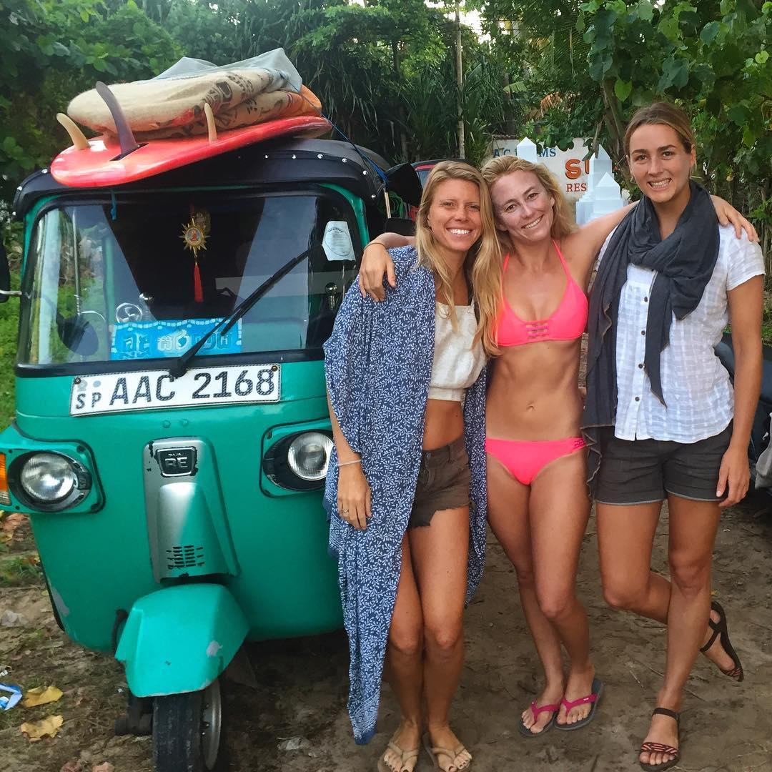 Fun day with these Sri Lankan Shredders! @buddhi.yoga @annaehrgott #TukTukLife