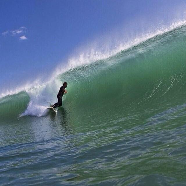 @mpasseri1 y una que va sola #soul #surfing #waves #reefargentina