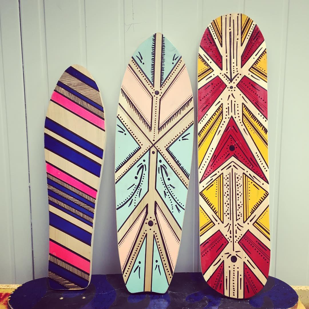 Tres bonitas nuevas! Esperando por TI! COMPRA la TUYA!/ BUY IT YOURS! #deslizate #skate #handmade #skateboarding #wood