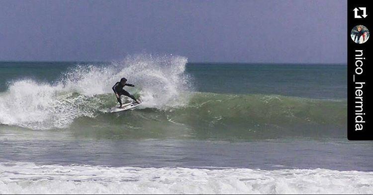 #Repost @nico_hermida with @repostapp ・・・ En recuerdito de Peru 2014 entrenando con @lineup.surfcoaching  Foto: @mirkosalvo